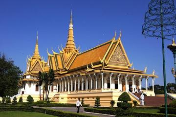 Private Tour: Luang Prabang Sightseeing Day Tour Including Royal Palace