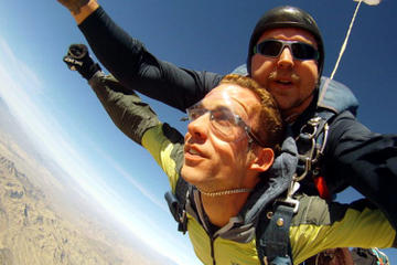 Paracaidismo libre en tándem en Las Vegas