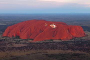 Helikoptertur fra Ayers Rock over Uluru og Kata Tjuta
