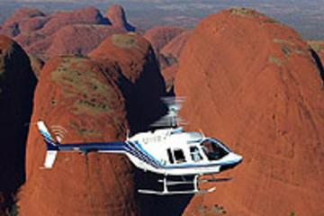 survol-en-helicoptere-au-depart-d-ayers-rock