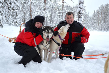 4-Day Private Winter Husky Tour for Two in Kuhmo