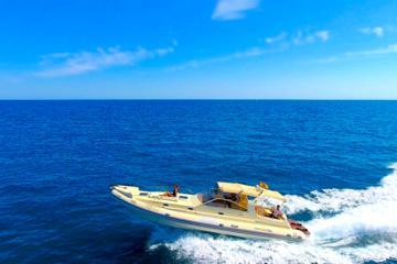 Luxury High Speed Powerboat Ride