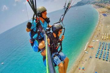 Tandem Paragliding in Taormina