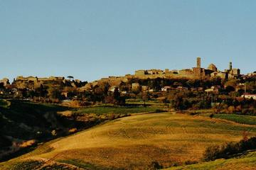 Small-Group Tour San Gimignano Volterra
