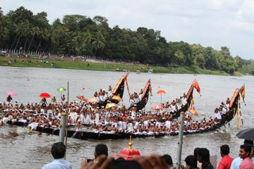 Oceania Nautica Kochi Tour with Fish Specialty Lunch and Kathakali classic Dance