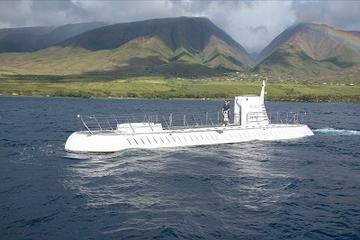 Ubåtsäventyr och kunglig luau-fest på Maui