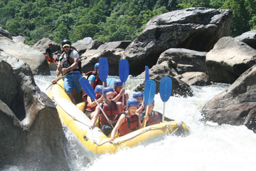Barron River halber Tag White Water Rafting von Cairns