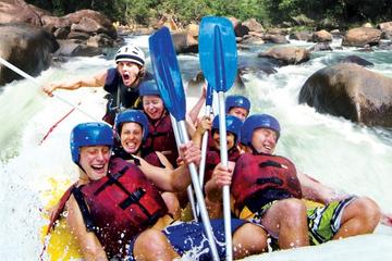 Rafting de um dia nas corredeiras do rio Tully, saindo de Cairns...
