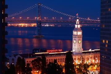 Helikoptertour en dinercruise bij zonsondergang in San Francisco