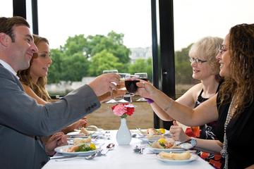 Middagskryssning på Themsen med underhållning
