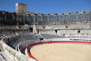 Private Tour: Arles and Les Baux de...