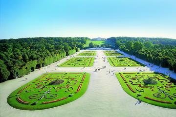 Recorrido por los jardines Schönbrunner de Viena en minitren