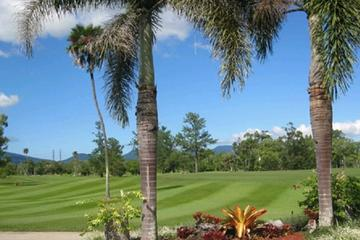 Private Full-Day Cairns Golf Tour Package