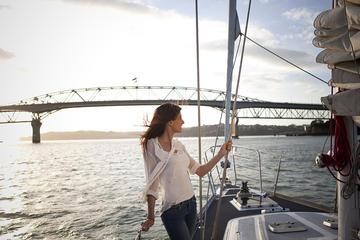 Navegación en la America's Cup por el puerto Waitemata