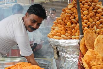 A savoury street food trail through Agra
