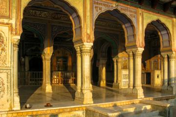 A trail of temples and traditions in Jaipur