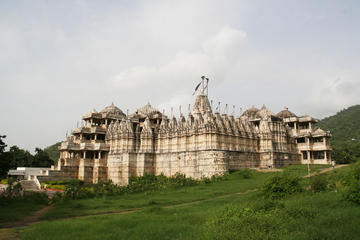 Day tour to a Jain temple in Ranakpur