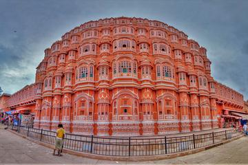 Of palaces and forts - bicycle trail through Jaipur