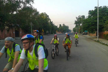 Pedal to Heritage: Morning Bicycle Tour of Jaipur
