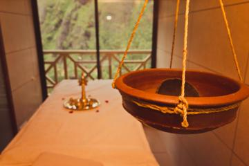 Ujjivana - Massage for wholesome relaxation at Munnar's retreat