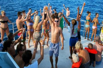 Catamaran Snorkeling Cruise to Dunn's River Falls from Ocho Rios