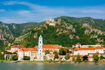 Excursión de un día a la abadía de Melk y al valle del Danubio desde...