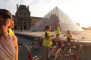 Kvällstur på cykel i Paris