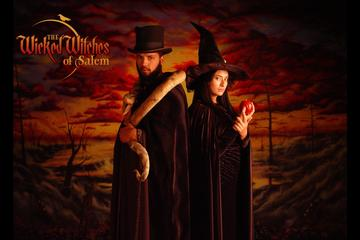 Salem Photo Shoot: Dress Up as a Witch or Wizard