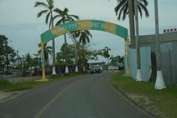 Shared Departure Transfer: San Ignacio Hotels to Belize International Airport