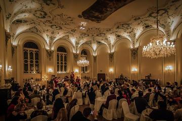 Cena y concierto de Mozart en...