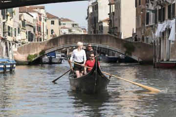 Learn to Row in Venice