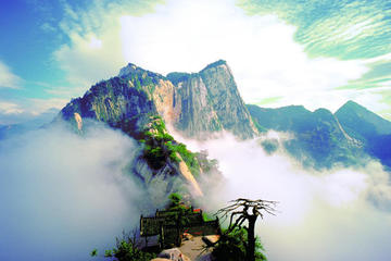One Day Private Mount Hua Adventure Tour