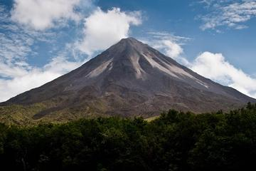 Arenal Volcano Hike and Hot Springs Tour from La Fortuna