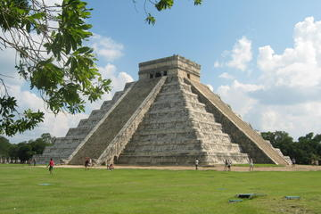 Chichen Itza Archaeological Site Tour...