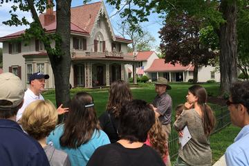 Day Trip Rhinebeck Historical Walking Tour near Rhinebeck, New York