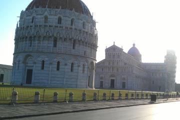 Livorno Shore Excursion: Pisa and Lucca Private Day Trip