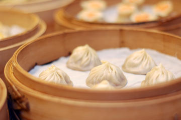 Famed Din Tai Fung Dinner and VIP Class River Cruise Experience in...