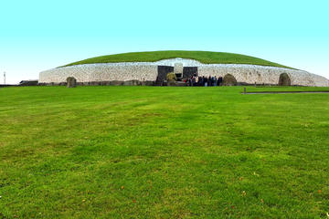 Small-Group Day Trip to the Boyne Valley from Dublin: Newgrange and...