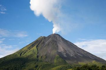 Arenal Volcano Hike at the National Park from Arenal