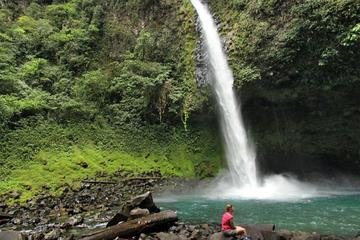 Fortuna Waterfall Guided Hike from Arenal