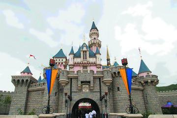 Entrada da Disneyland de Hong Kong com Transporte