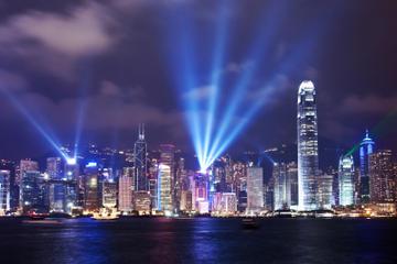 Hongkong, havnerundfart om aftenen og...