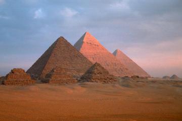 Enjoy Full-Day Tour from Hurghada to Cairo