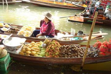 Endagskryssning från Bangkok till Damnoen Saduaks flytande marknader