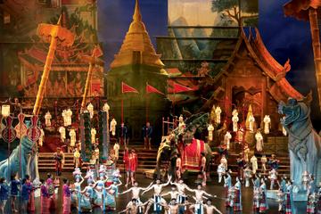 Espectáculo de Siam Niramit en Phuket con traslado al hotel y cena...
