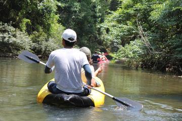 Explorer Tour delle grotte nella baia di Phang Nga in canoa da Phuket
