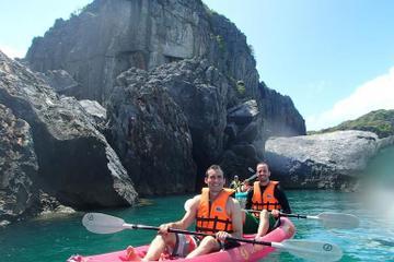 Kayak en el mar en el Parque Nacional marino Ang Thong desde Koh Samui