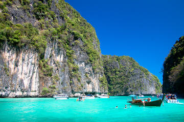 Mit dem Schnellboot von Phuket zu den Ko Phi Phi-Inseln