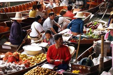 Private Tour zu den schwimmenden Märkten und zum Sampran-Flussufer...