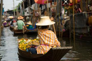 Tur fra Bangkok til de flytende markedene og elven Kwai
